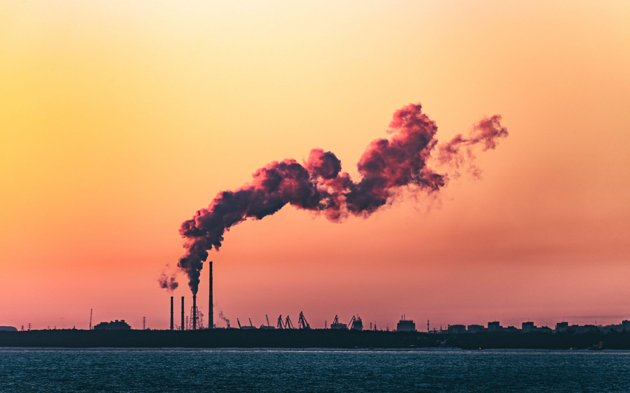 Demanda mundial de energía y emisiones de CO2: previsiones 2021